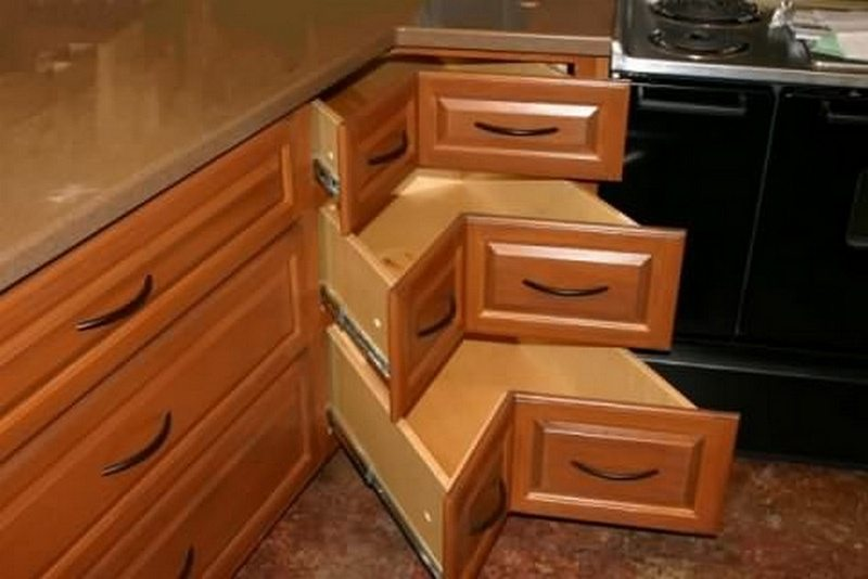 Diy corner cabinet drawers how to make a coner cabinet for Kitchen cabinets with drawers
