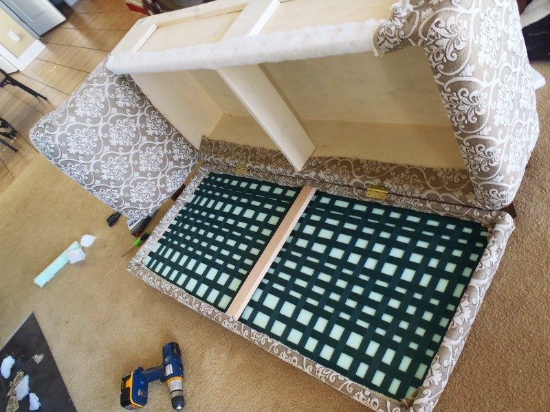 DIY Chaise Lounge with Storage - Attach the seat part