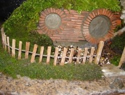 DIY Miniature Hobbit Hole- Applying the fence