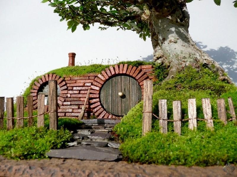 Diy miniature hobbit hole closer look to the hobbits house door