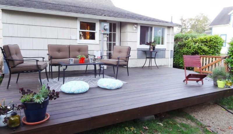 DIY Platform Deck - Outdoor seating area