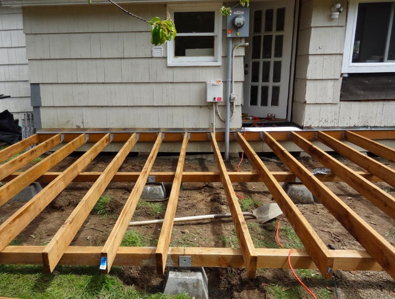 DIY Platform Deck - Attach the floor joists