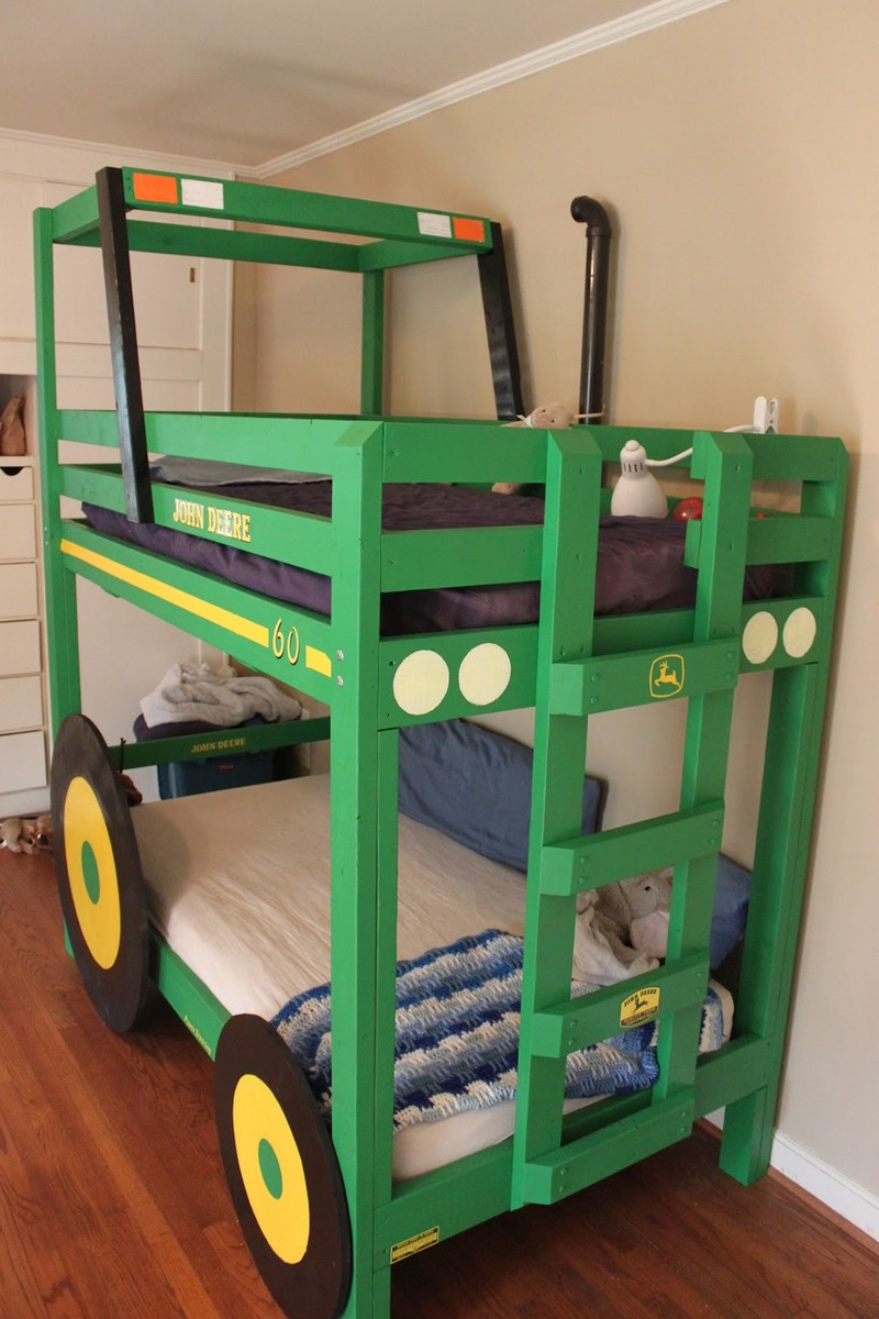DIY Tractor Bunk Bed   Finished Tractor Bunk Bed