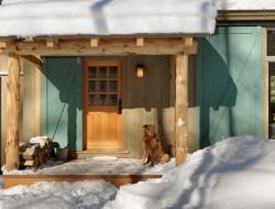 Winter Cabin - Entry