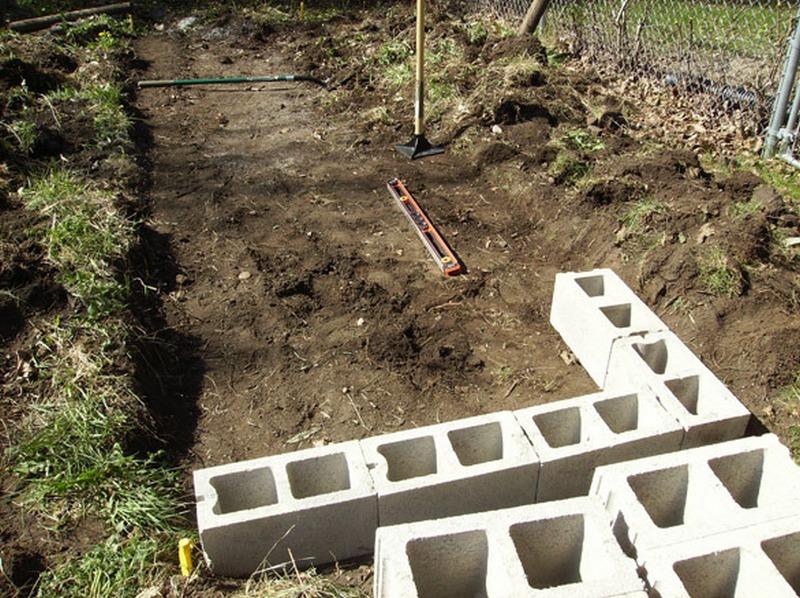 DIY Cinder Block Raised Garden Bed - Lay the block