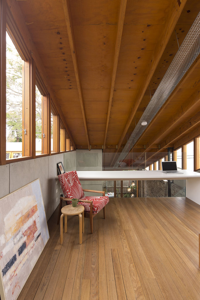 Cowshed House11