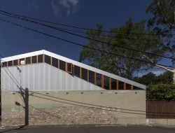 Cowshed House13