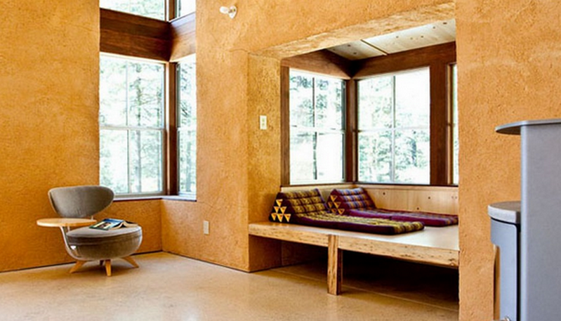 Off-the-Grid Strawbale Cabin