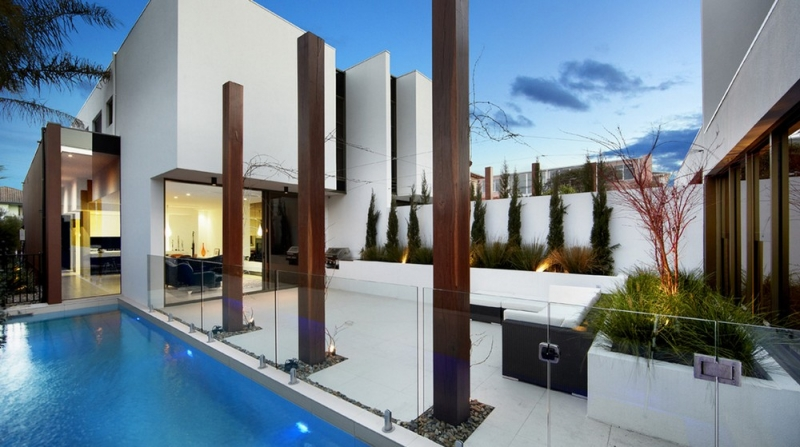 Another example of a courtyard providing maximum privacy