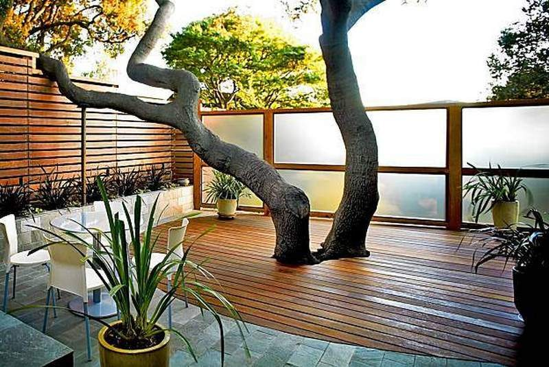 An outdoor space that respects nature.