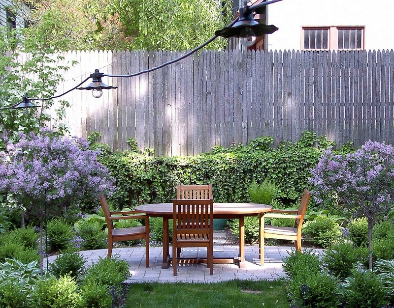 A courtyard perfect for outdoor dining.