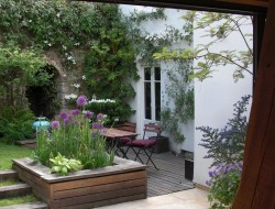 Lovely small garden courtyard.