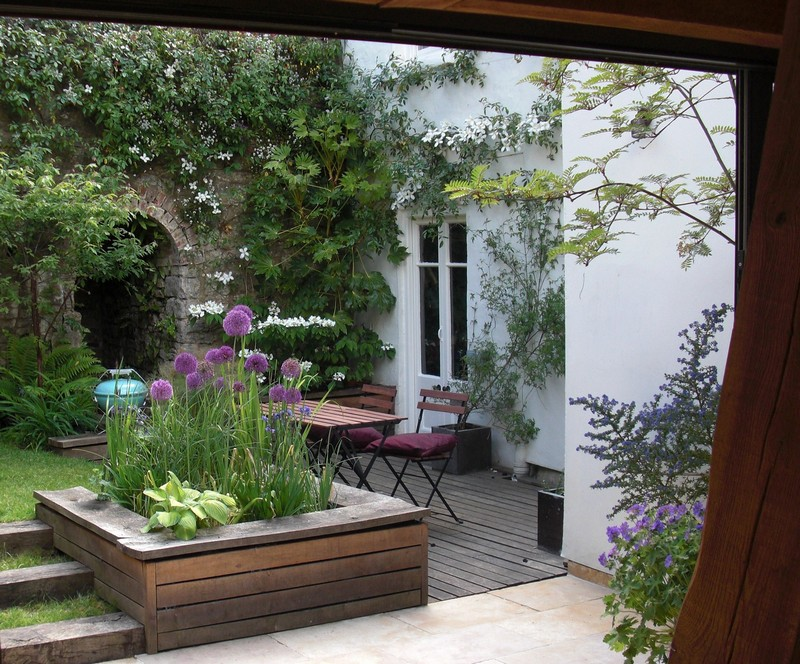 Lovely small garden courtyard.