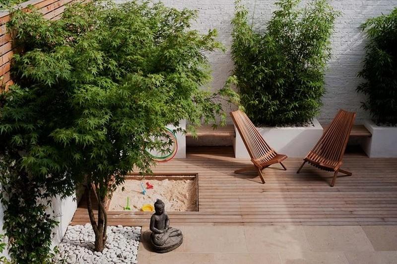 Courtyard by Laara Copley-Smith - UK