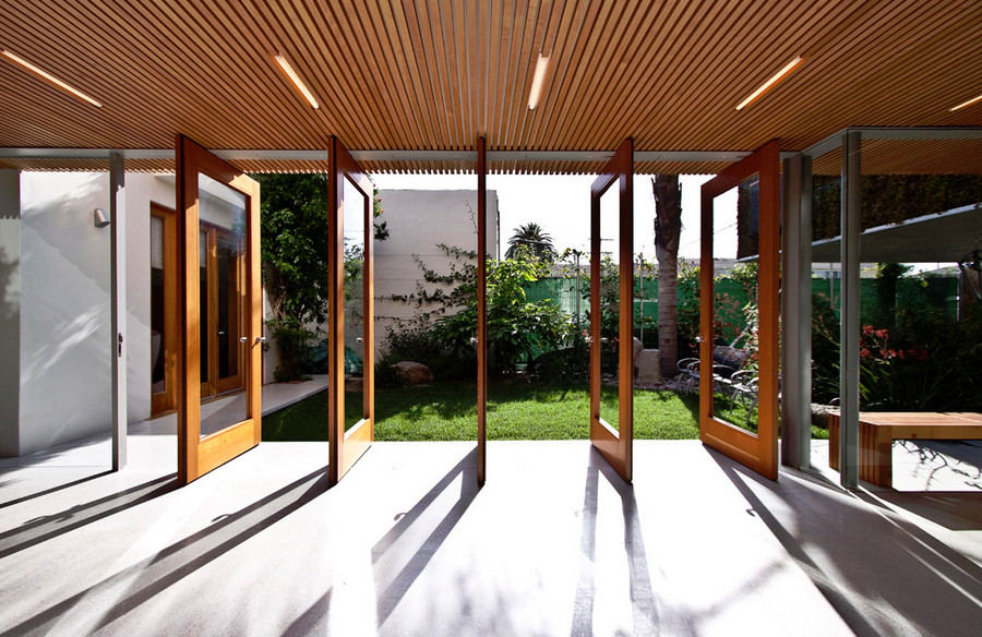 Courtyard privacy