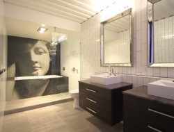 31 container home in Brisbane Australia - Main bathroom-2