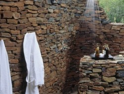 Outdoor Shower - Makanyane Safari Lodge