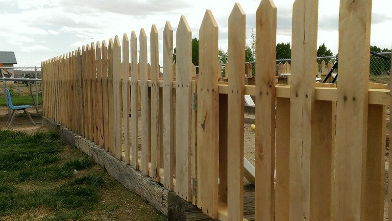 Pallet Picket Fence - Sharon Hall