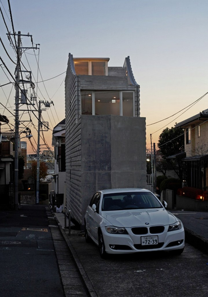 Tiny Tokyo home - Shibuya profile complete with off-street parking