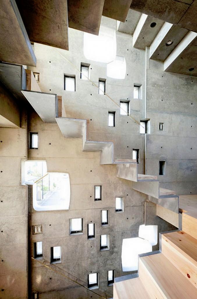 Tiny Tokyo home - Shibuya windows internal