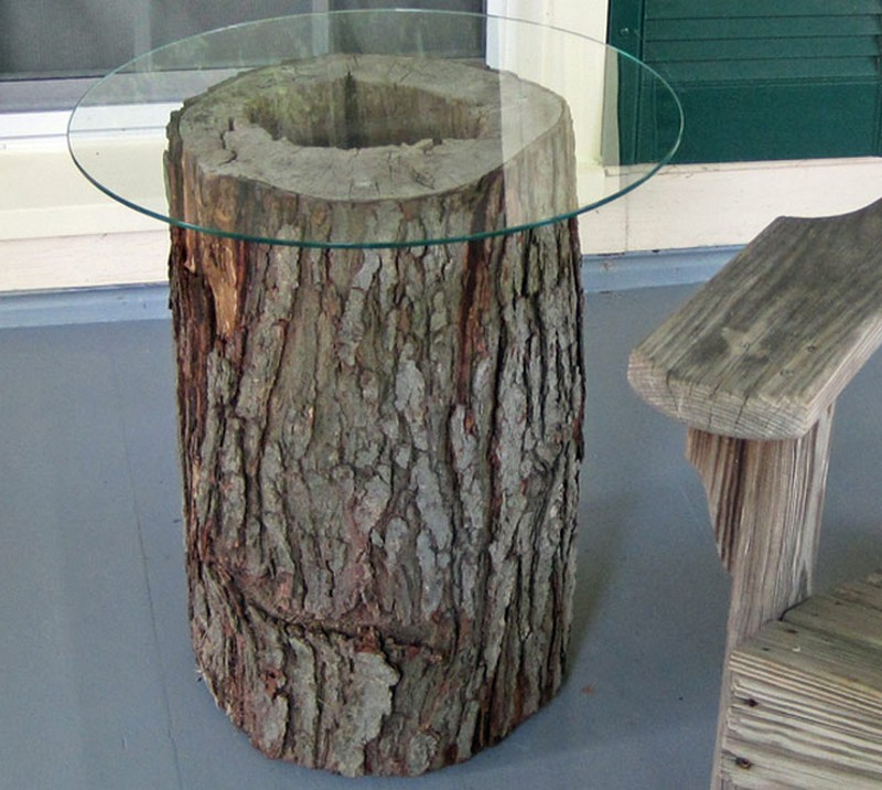Outdoor Tree Stump Table - Gone Thrifting