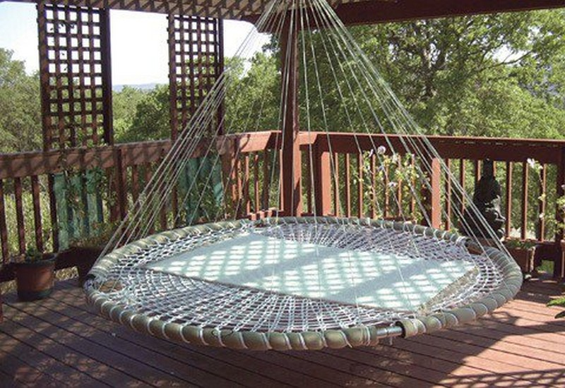 Floating Round Bed - Squidoo & Swing Bed Made From Recycled Trampoline | DIY Trampoline Bed