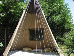 Trampoline Swing Bed - treehugger