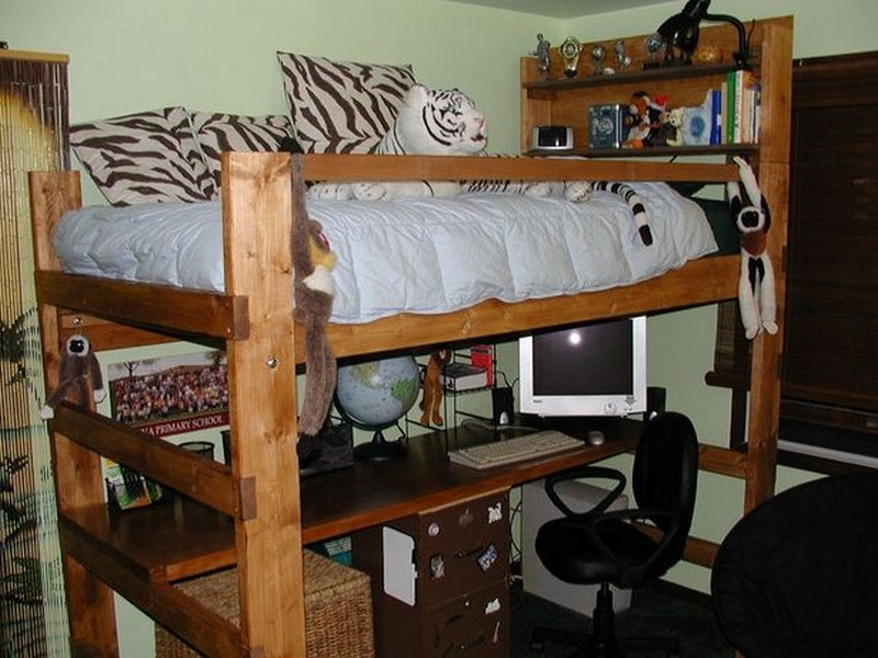 How to Build a Loft Bed With a Desk - eHow