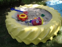 DIY Tire Sandbox - Ideas2Live4