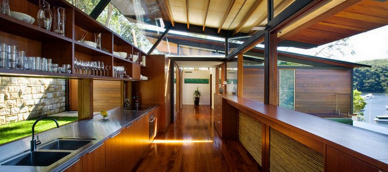 Cottage Point House - an hour from Sydney, a million miles from care...