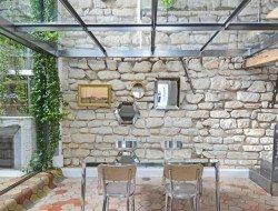 Apartment at Place de la Madeleine by Ateliers Michael Herrman