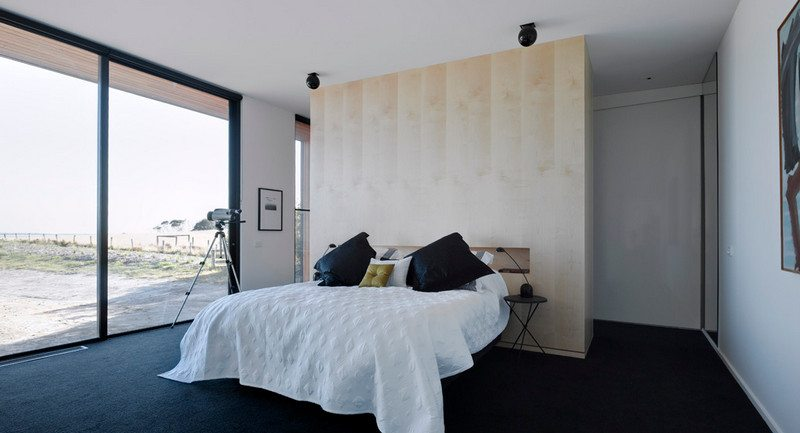 Beached House by BKK Architects - Bedroom