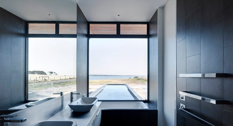 Beached House by BKK Architects - Bathroom