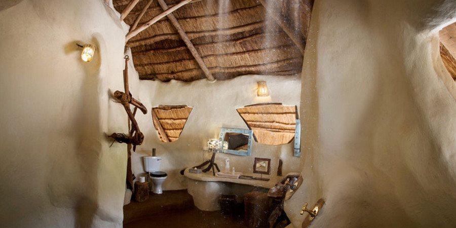 Bathroom at Chongwe River House