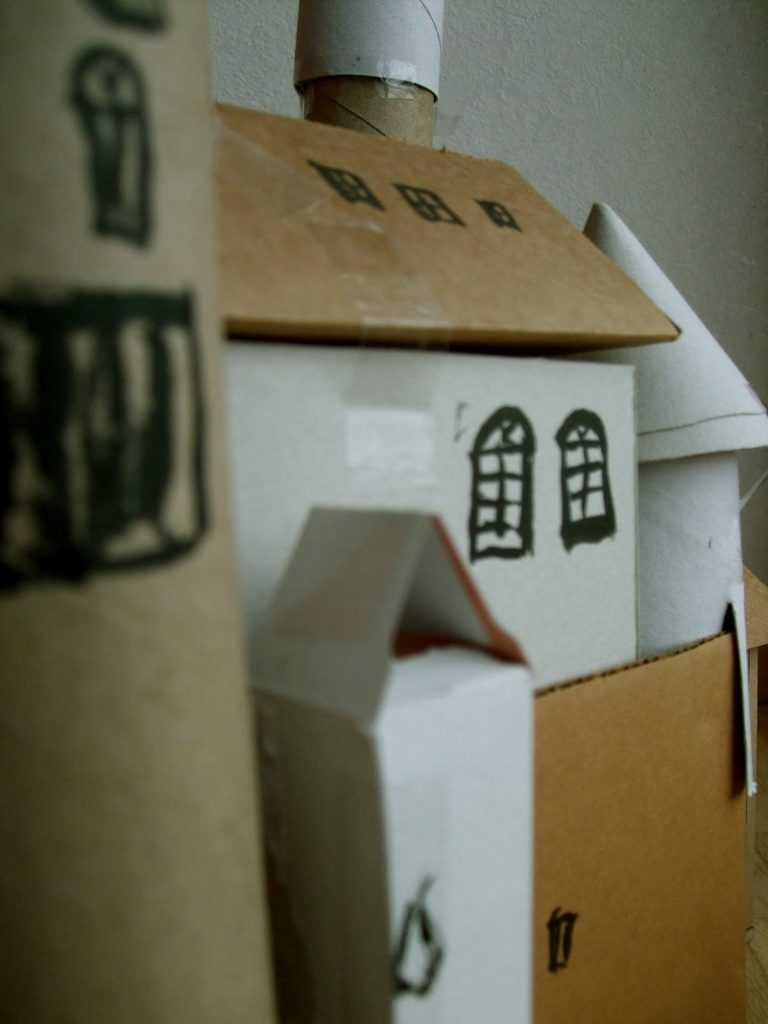 Things You Can Make With Cardboard Boxes That Will Blow