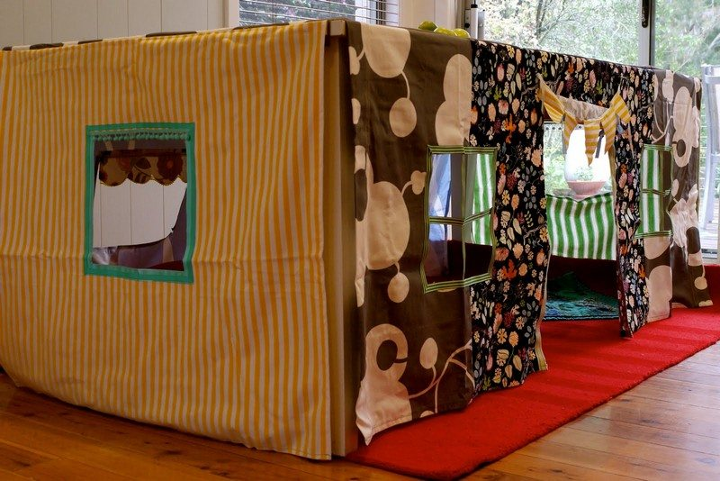 Amazing Tablecloth Forts To Build With Your Kids