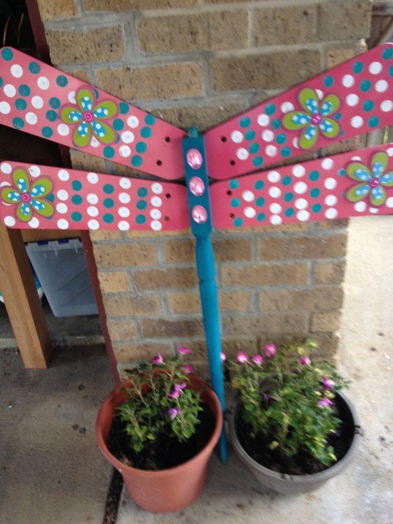 How To Make Dragonflies Garden Art