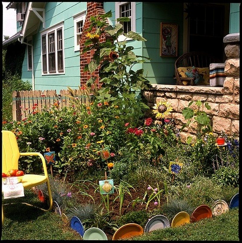 Eleven Interesting Garden Bed Edging Ideas The Owner