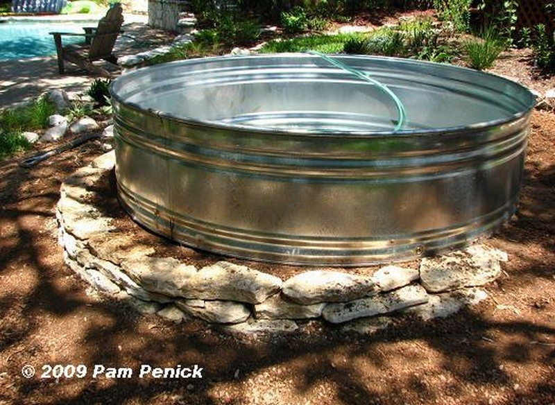 Backyard Ponds and Aquariums
