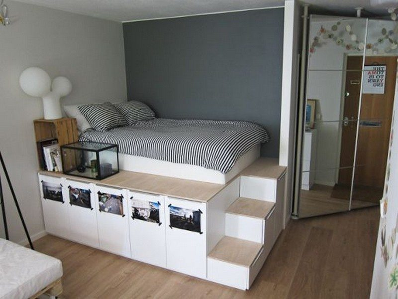 8 ideas for maximizing small bedroom space the owner for Space saver bedroom designs