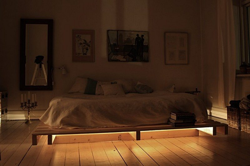 illuminated pallet bed the owner builder network. Black Bedroom Furniture Sets. Home Design Ideas
