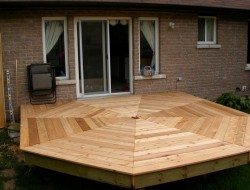 Outdoor Projects with Wood