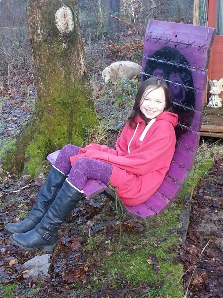 How To Make A Paracord Laced Hanging Pallet Chair The