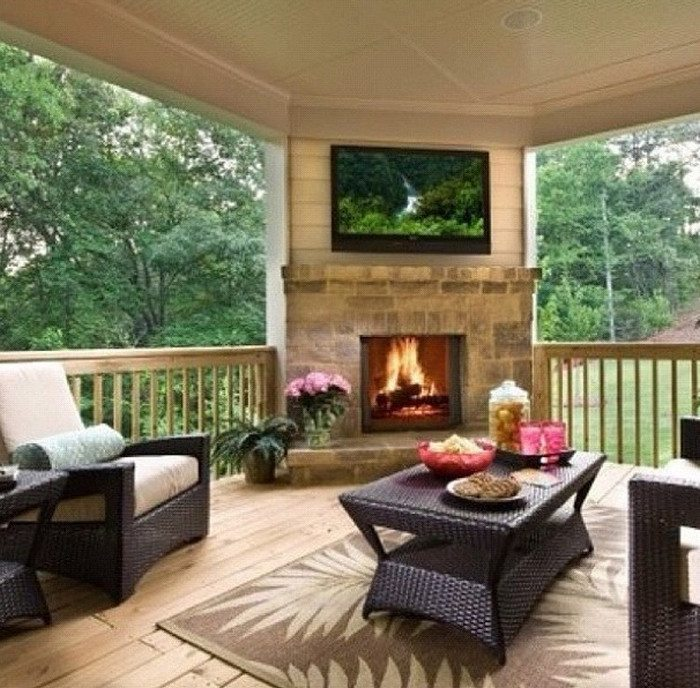 Building an Indoor to Outdoor Space