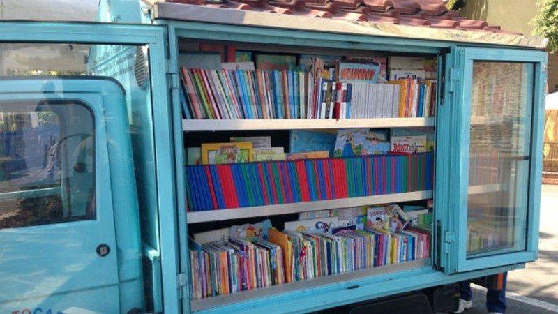 Antonio La Cava Mobile Library