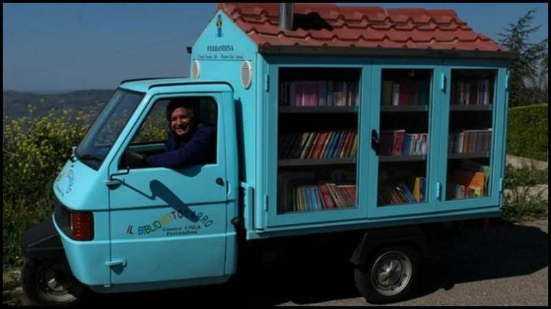 Antonio La Cava's Mobile Library
