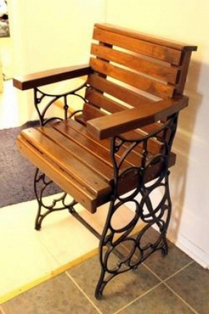 Upcycled Old Sewing Machine Table