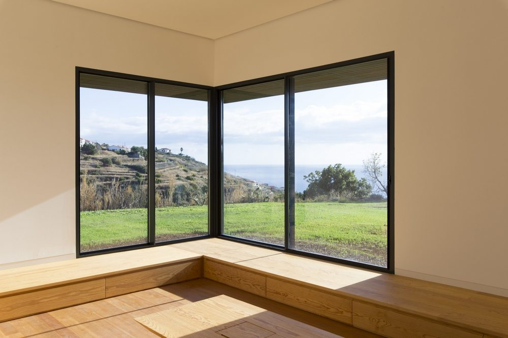 Large corner windows offer excellent views.