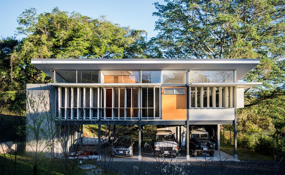 The house employs various passive design strategies, creating an energy-efficient home.