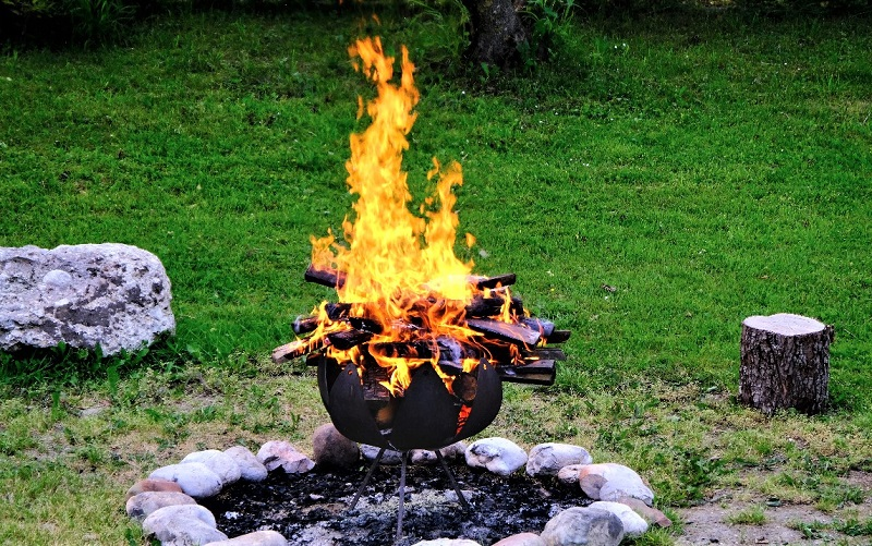 Do not use lighter fluid or other fuels that create extremely hot flames.
